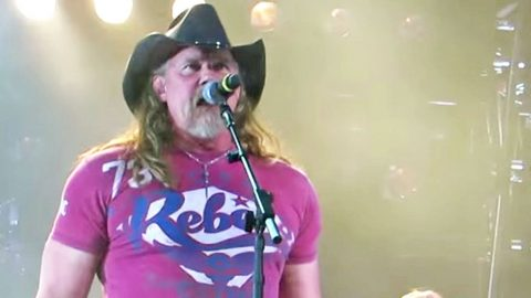 Country Gals Will Go Crazy For Trace Adkins' Live Performance Of 'Ladies Love Country Boys' | Country Music Videos
