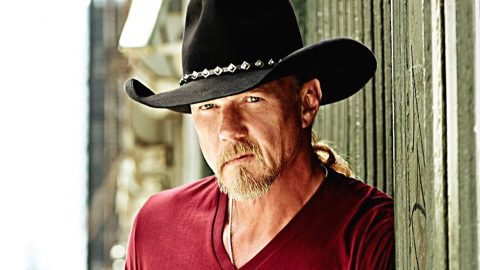Trace Adkins Suddenly Forced To Postpone Concert | Country Music Videos