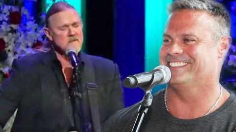 Trace Adkins Memorializes 'Longtime Friend' Troy Gentry With Soul-Stirring 'Wayfaring Stranger' | Country Music Videos