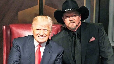 Trace Adkins Shares His Thoughts On Former 'Apprentice' Boss Donald Trump | Country Music Videos