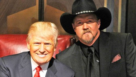 Trace Adkins Reveals His Opinion On Presidential Candidate Donald Trump | Country Music Videos