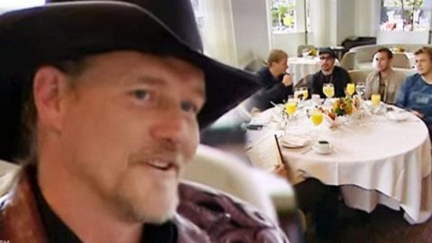 Trace Adkins Dealing With The Backstreet Boys (Hilarious)   Country Music Videos