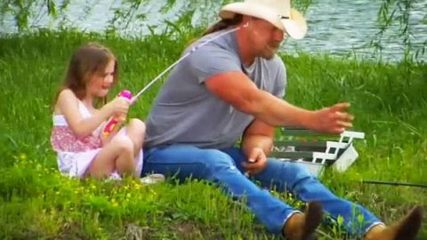 Trace Adkins – Just Fishin' (Behind The Scenes) | Country Music Videos