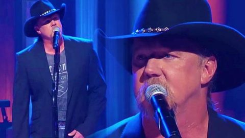 Trace Adkins – Proud to Be Here (LIVE at the Opry) (WATCH) | Country Music Videos