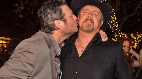 Trace Adkins Responds To Blake Shelton 'Sexiest Man Alive' Title In The Best Way Possible | Country Music Videos