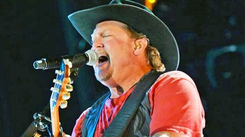 How Tracy Lawrence Changed Country Music With His One Of A Kind Voice   Country Music Videos