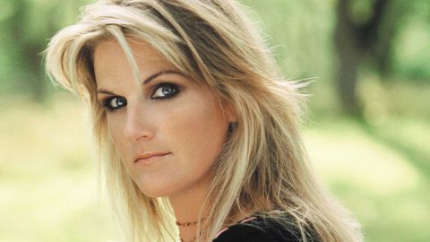 In Male-Dominated Career, Trisha Yearwood Has Advice For The Ladies | Country Music Videos