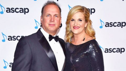 Trisha Yearwood Honored With Prestigious Award Garth Brooks Earned Over 20 Years Ago   Country Music Videos