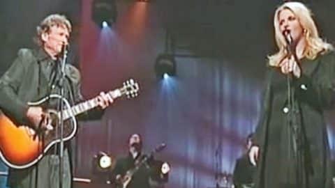 Trisha Yearwood & Kris Kristofferson Perform Historical 'Sunday Mornin' Comin' Down'   Country Music Videos