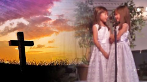 Adorable Seven-Year-Old Twin Girls Sing Gospel Medley (WATCH) | Country Music Videos
