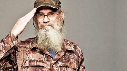 Uncle Si's Higly Ancipated New Show 'Going Si-Ral' Finally Gets Premiere Date | Country Music Videos