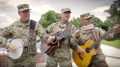 Active Duty Soldiers Give Jaw-Dropping Performance Of 'Uncloudy Day' | Country Music Videos