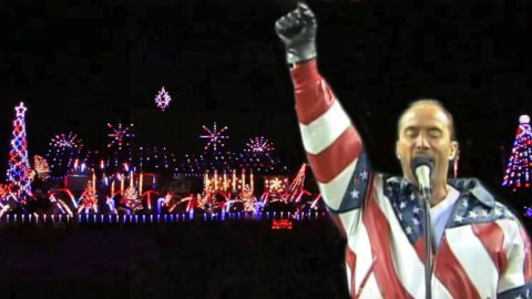 Christmas Lights Synchronized To 'God Bless the USA' Is The Ultimate Tribute To Our Troops | Country Music Videos