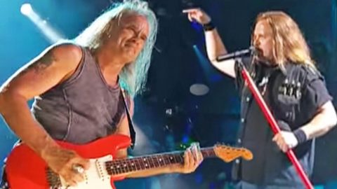 Skynyrd Brings A 'Vicious Cycle' Of Blues To Nashville With Dynamic Performance Of 'Curtis Loew' | Country Music Videos