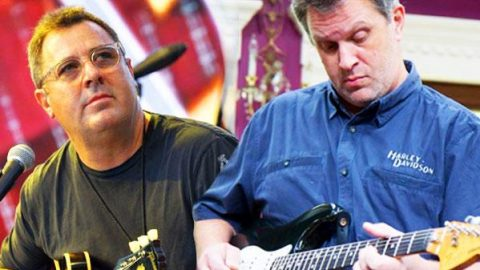 Deaf Vince Gill Fan Amazes Vince & The Time Jumpers With Onstage Duet (WATCH) | Country Music Videos