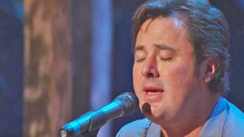 Vince Gill's Tear-Jerking Performance Of 'Go Rest High On That Mountain' Will Break Your Heart | Country Music Videos