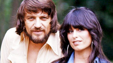 Waylon Jennings' Widow Jessi Colter To Release Tell-All Book About Their Marriage | Country Music Videos
