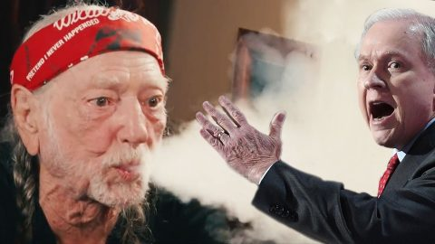Willie Nelson Blazes Fiery Message To Attorney General That'll Have You Giggling | Country Music Videos
