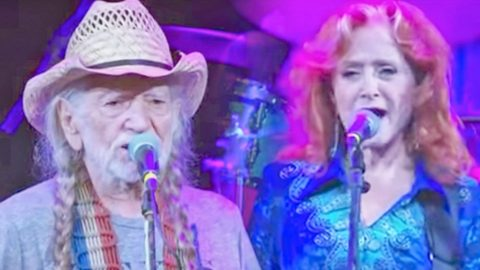 Willie Nelson And Bonnie Raitt Join Forces For 2017 Stevie Ray Vaughan Cover | Country Music Videos