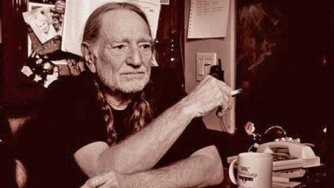 Willie Nelson Celebrated Marijuana Legalization At A D.C. Landmark   Country Music Videos