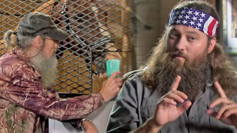 Is Duck Dynasty's Si Robertson A Horse Whisperer? (Funny!) | Country Music Videos
