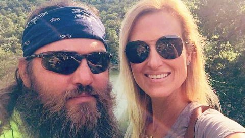 Willie Robertson Surprises Wife Korie With Huge Romantic Gesture | Country Music Videos