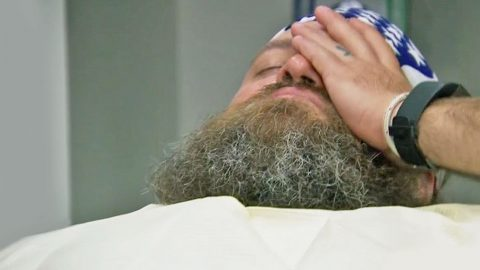 While On Laughing Gas, Willie Robertson Decides To Get A New Tattoo – You Gotta See This! | Country Music Videos