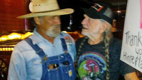 Stage 4 Cancer-Stricken Willie Nelson Fan Meets His Idol | Country Music Videos