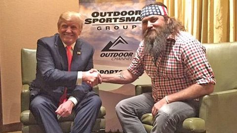 Willie Robertson Reveals Why Donald Trump's Controversial Statements Don't Bother Him | Country Music Videos