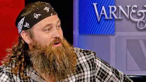 Willie Robertson Speaks Out On Anti-Trump Protesters | Country Music Videos