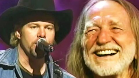 Toby Keith & Scott Emerick Sing Hysterically Blunt Original 'Weed With Willie' | Country Music Videos