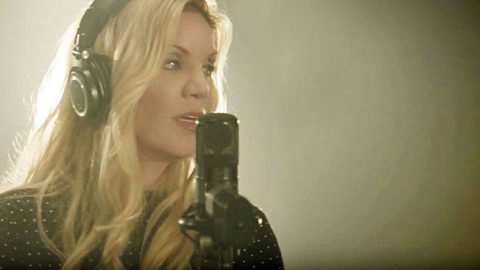 Alison Krauss Releases Live Performance Of Heartbreaking New Song 'Losing You' | Country Music Videos