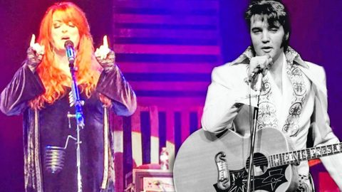 Elvis Presley & Wynonna Judd's Duet Of 'Santa Claus Is Back In Town' Will Mesmerize You | Country Music Videos