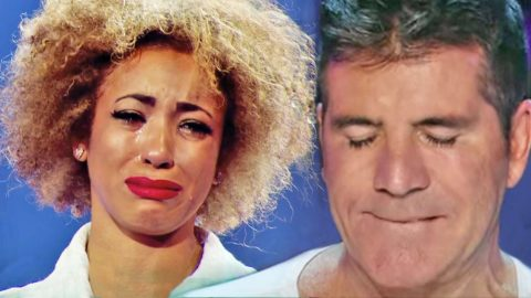 """X-Factor Singer Breaks Down During Emotional Performance Of """"I Will Always Love You"""" 