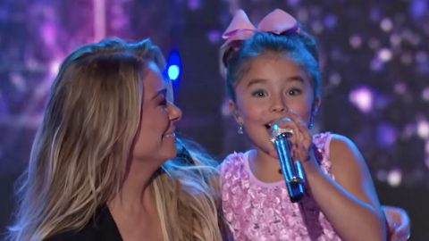 LeAnn Rimes Surprises Singing Sisters During 'Idol' Finale Performance | Country Music Videos