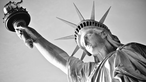 """Jennifer Nettles Shares That The Sugarland Song """"Mother"""" Is A Nod To The Statue Of Liberty 