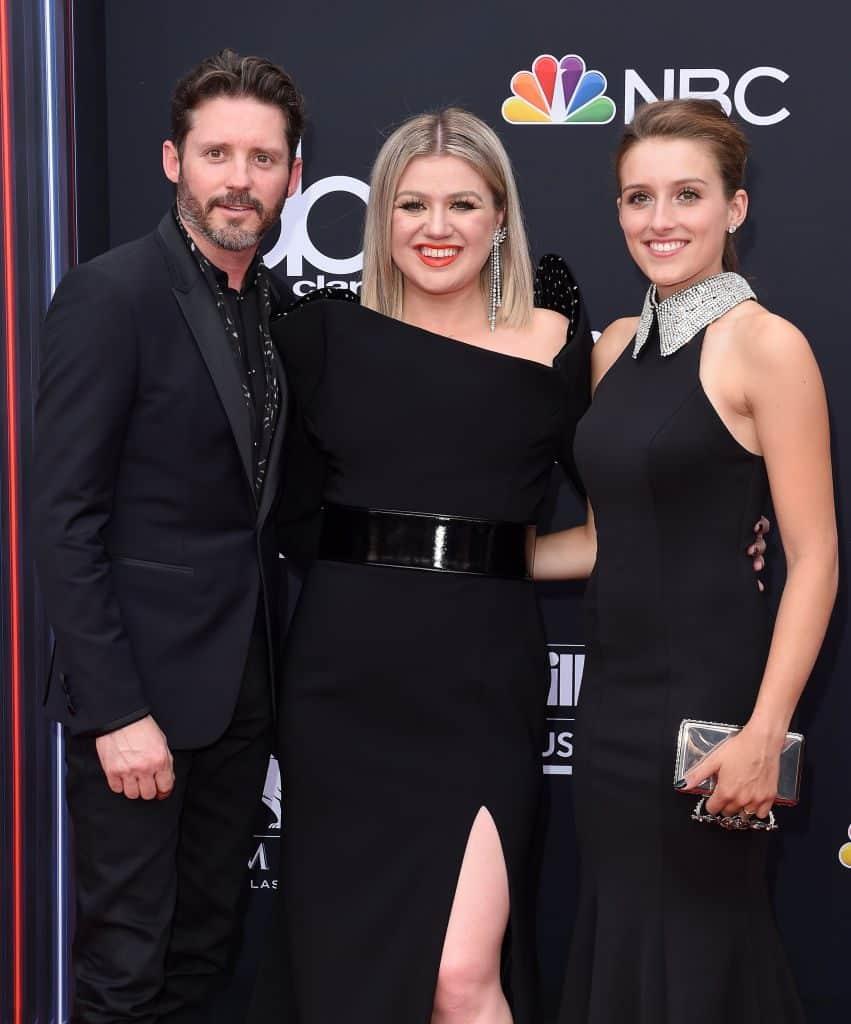 Kelly Clarkson dating Jason Aldean Lovestruck dejtingsajt recensioner