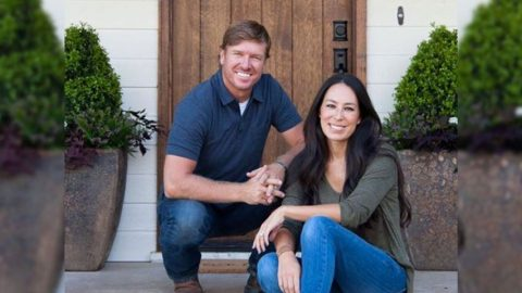 Adorable New Photo Shows Just How Cuddly Gaines Family Can Be | Country Music Videos