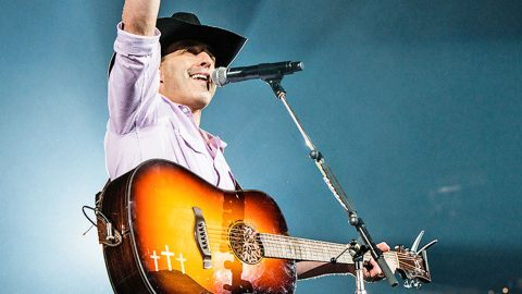 Country Singer Aaron Watson Gives Back to Home State of