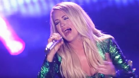 "Carrie Underwood Sings ""Cry Pretty"" In Glitter Suit At CMA Fest 