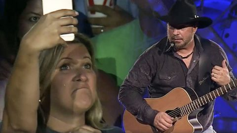 Fan Postpones Wedding To See Garth Brooks – And He Noticed | Country Music Videos