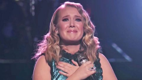 Voice' Singer's Tear-Filled Performance Of 'Humble And Kind' Comes To Emotional Conclusion | Country Music Videos