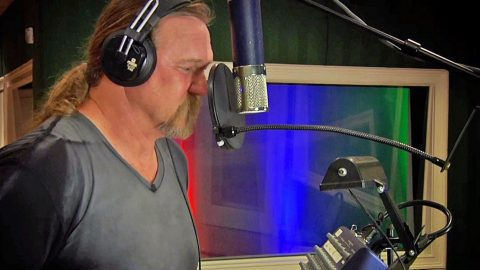 Trace Adkins Joins Country Legends For Gospel Collaboration That Will Have You Yelling Hallelujah | Country Music Videos