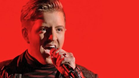 Billy Gilman Sings Queen's 'The Show Must Go On' On 'Voice' Season 11 | Country Music Videos
