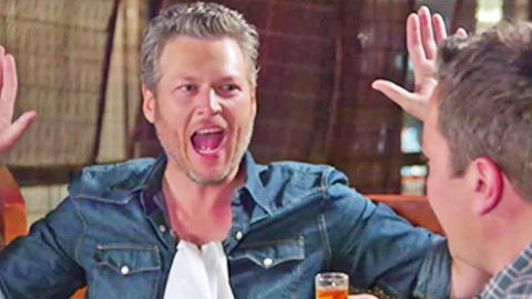 Blake Shelton Trying Sushi For The First Time Is The Funniest Thing Ever | Country Music Videos