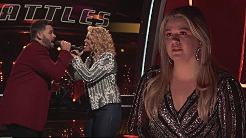 Passionate 'Burning House' Battle Leaves 'Voice' Coaches In Tears | Country Music Videos