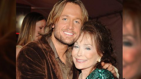 Loretta Lynn Has 1 Birthday Wish – And Keith Urban Vows To Fulfill It | Country Music Videos