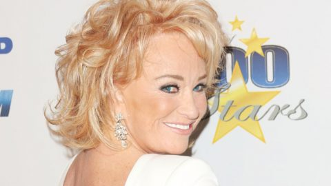 Tanya Tucker Unveils Bold New Look – She Looks So Different | Country Music Videos