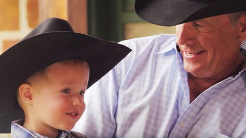 """George Strait Sings With Grandson In 1st Duet """"God & Country Music"""" 