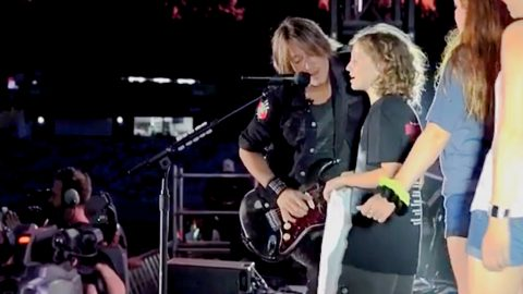Keith Urban Shares Emotional Sing-Along With Little Girl | Country Music Videos